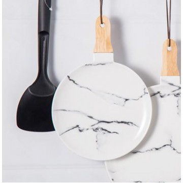Round Marbled Serving Dish With Wooden Handle (Black / Gold)