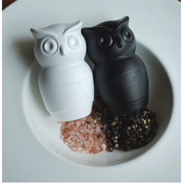 Tasty Owl - Salt & Pepper Grinder